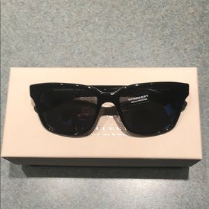 Burberry Unisex Sunglasses (B 4148)